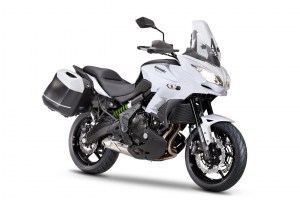 bg_Versys 650 WHT Tourer 2016 resized